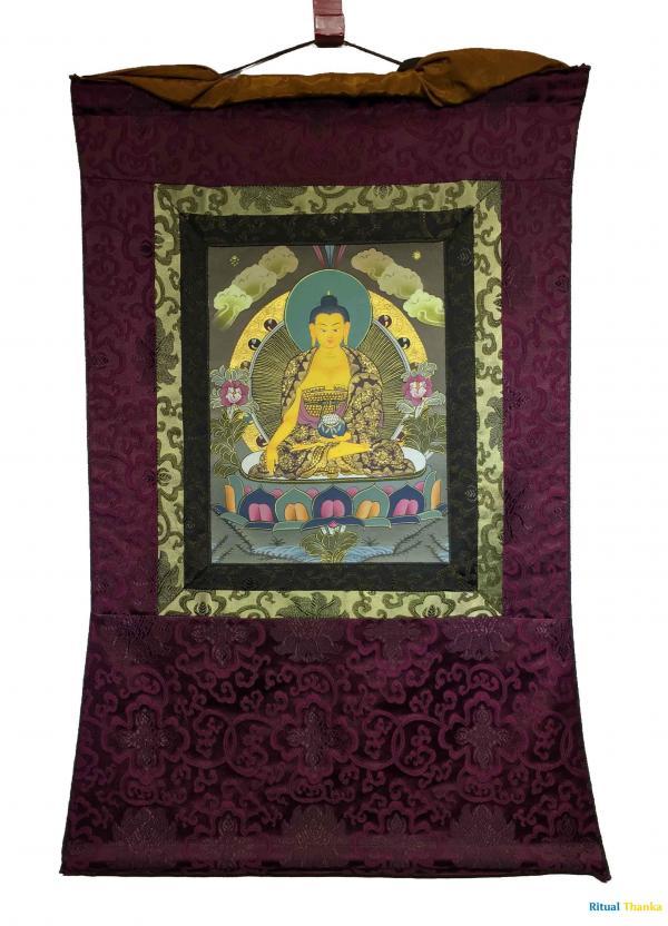 Small sized Shakyamuni mounted on a brocade